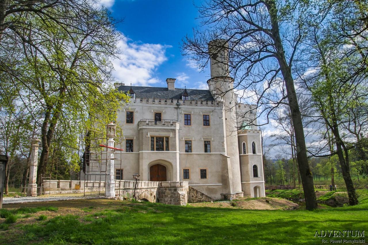 Dolina Pałaców i Ogrodów Karpniki Pałac Dolny Śląsk Przewodnik
