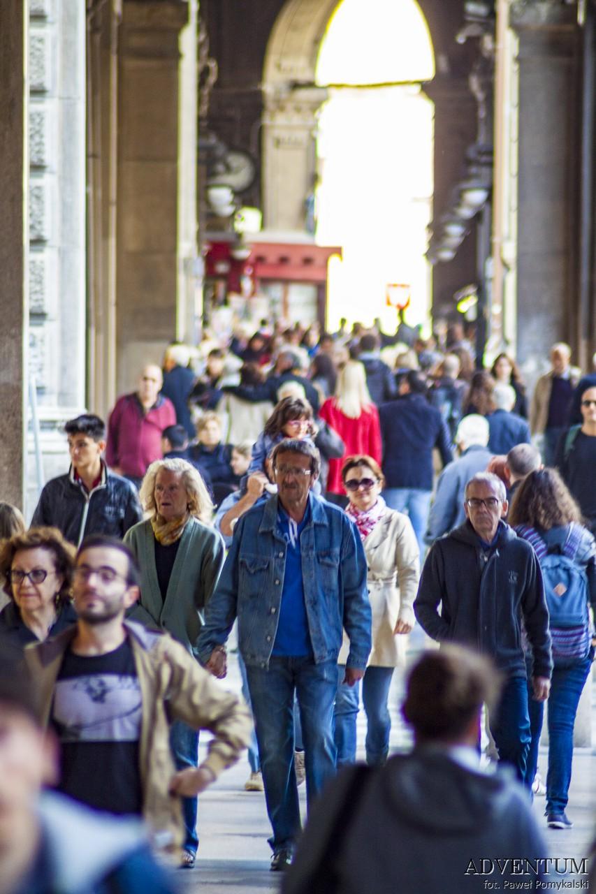 Bolonia Atrakcje Emilia Romania Włochy Italia Piazza Maggiore Przewodnik portyki