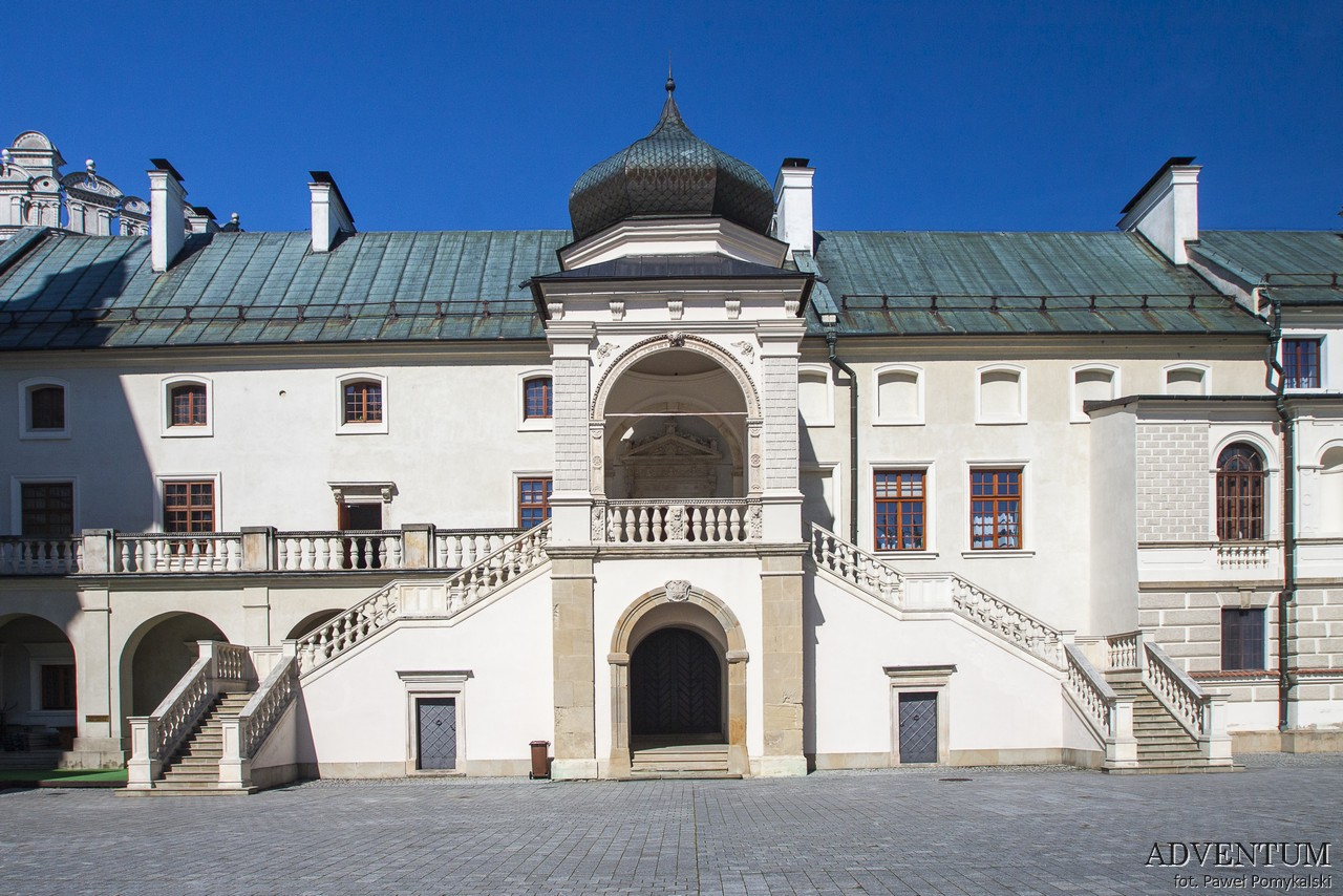 Krasiczyn zamek hotel noclegi park zwiedzanie zamek w krasiczynie
