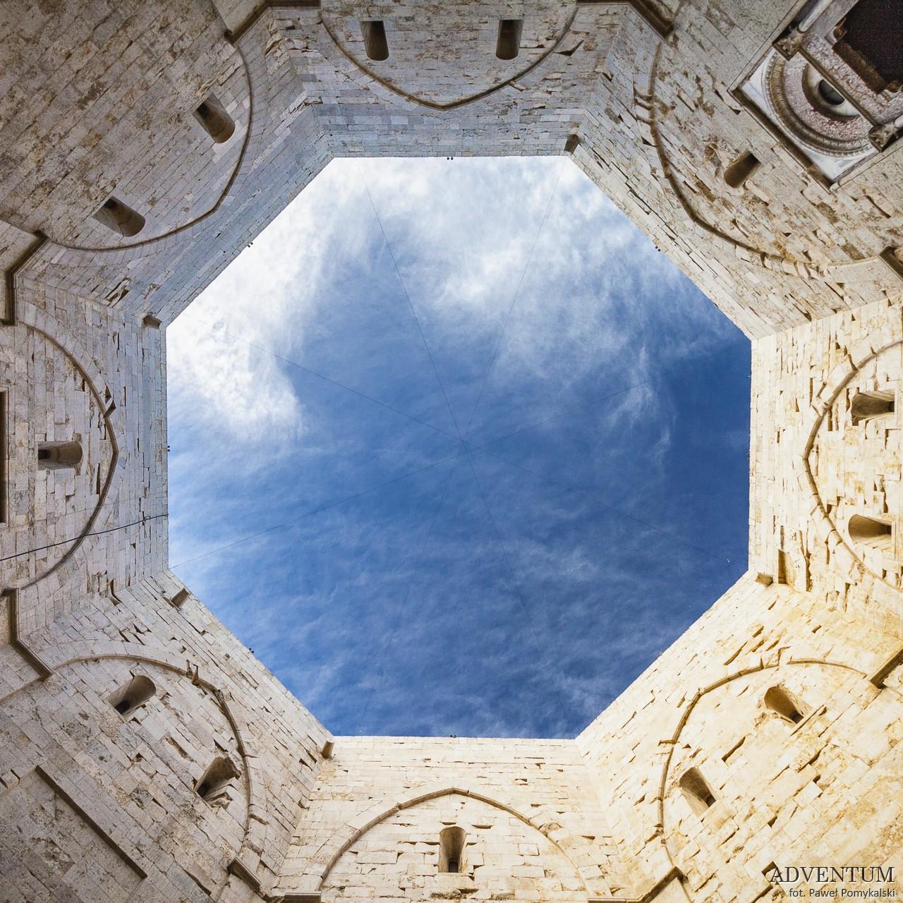 Apulia Puglia Włochy Italy Bari Przewodnik Alberobello Ostuni Polignano Vieste Castel Del Monte Trani Monopoli Lecce Bari