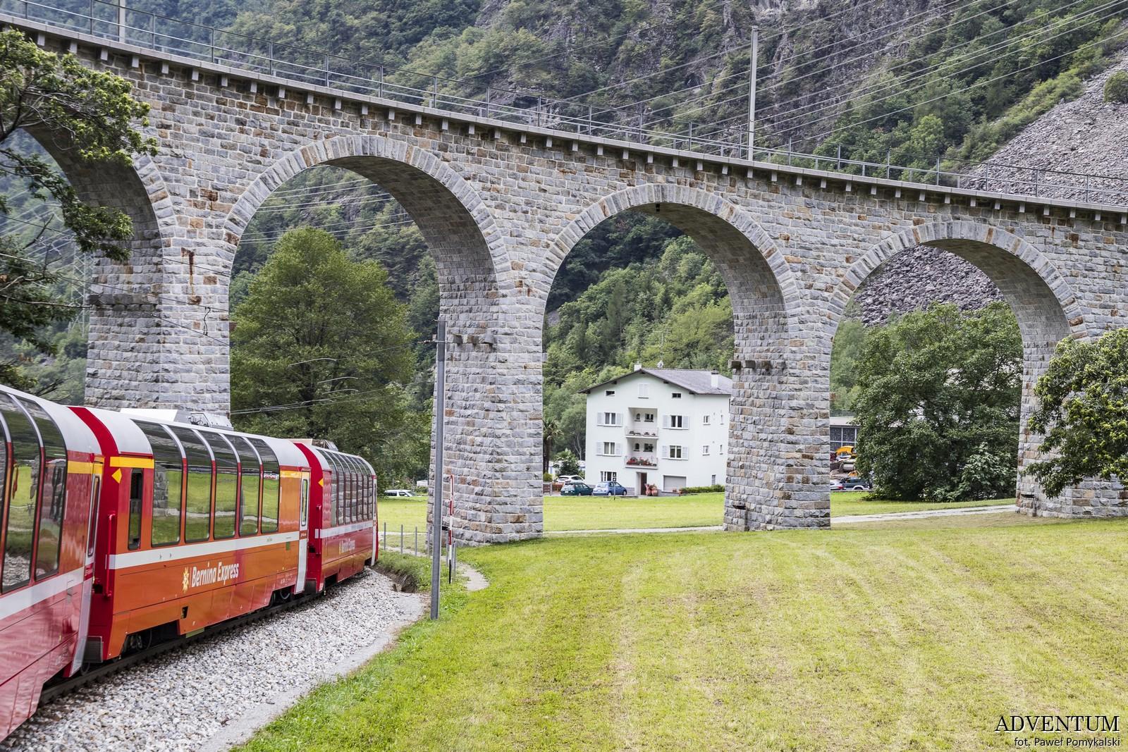 Bernina Express Szwajcaria Jak Kupić Bilet Pociąg Panoramiczy Chur Tirano UNESCO
