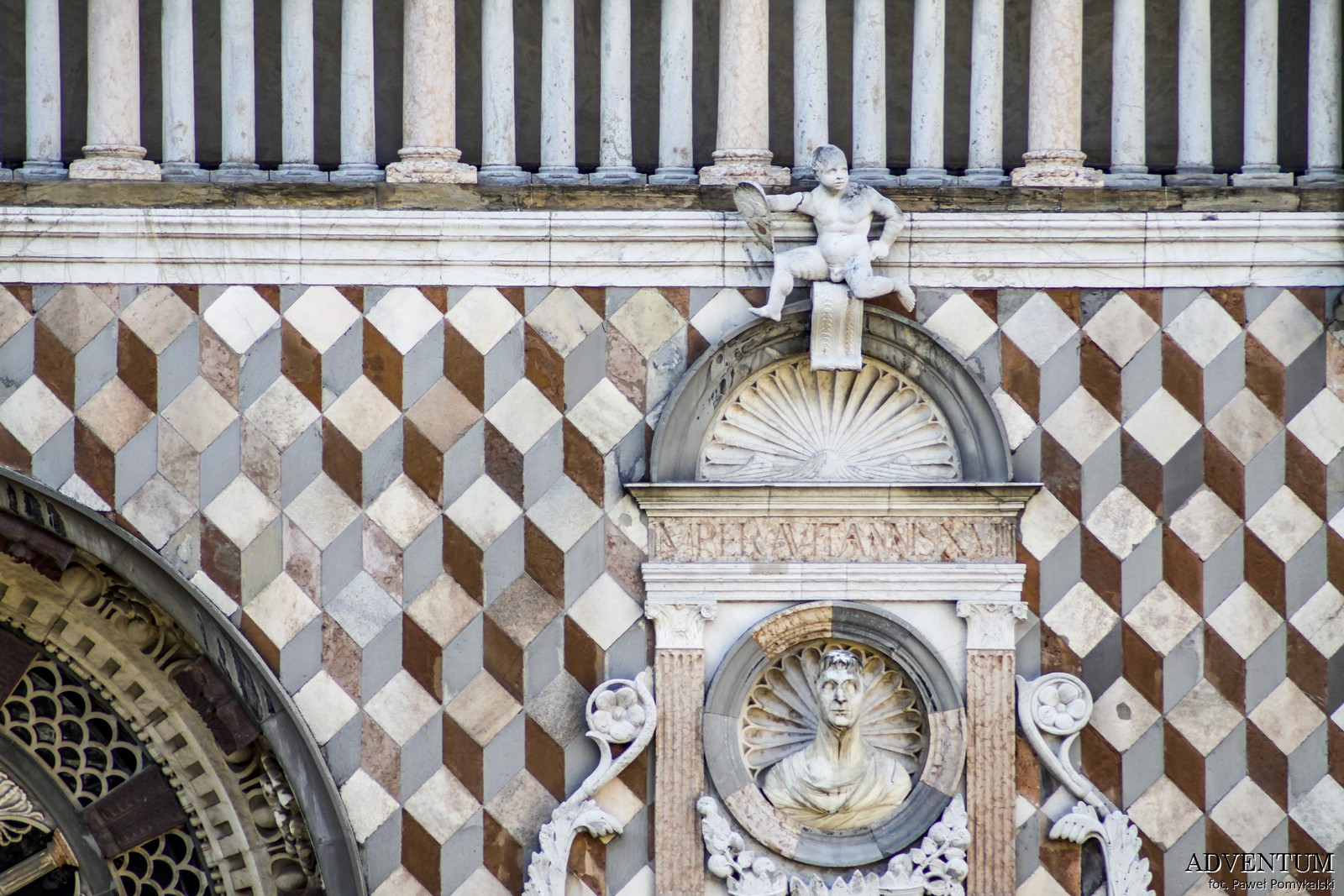 Bergamo Kaplica Włochy Italia Atrakcje Loty Noclegi Mapa Widoki Tanie Linie Lotnisko