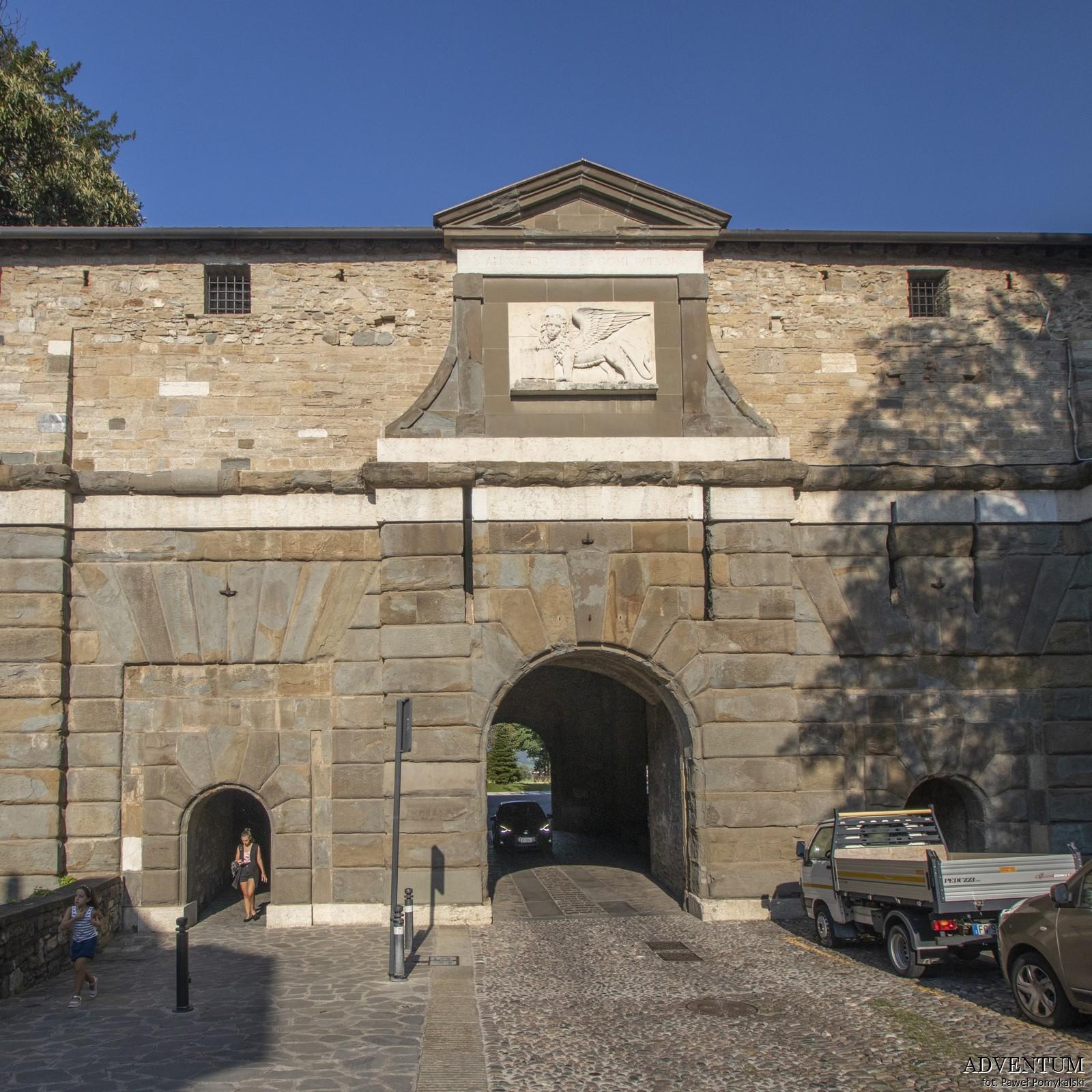 Bergamo Mury Oronne Włochy Italia Atrakcje Loty Noclegi Mapa Widoki Tanie Linie Lotnisko