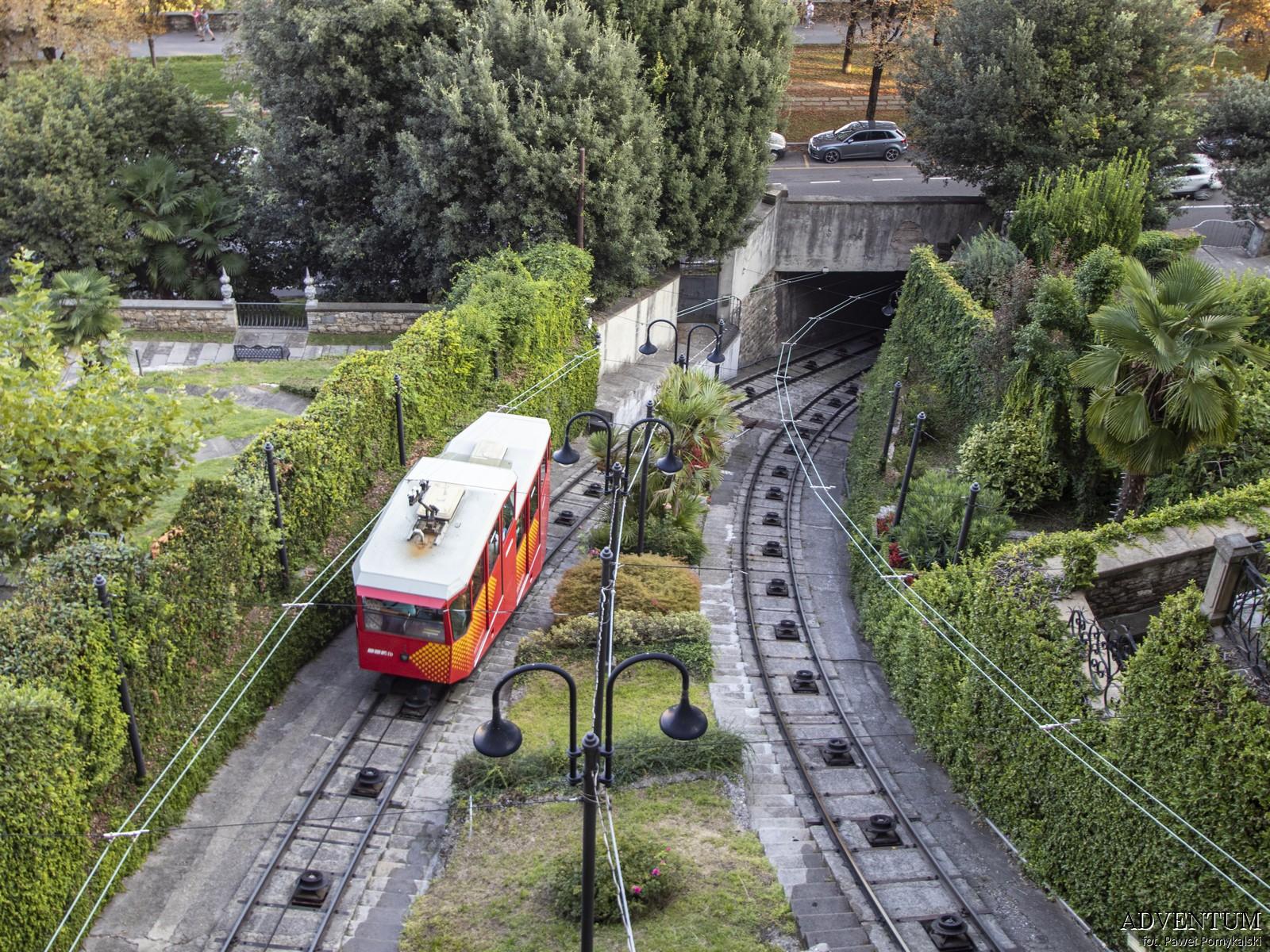 Bergamo Kolejka Włochy Italia Atrakcje Loty Noclegi Mapa Widoki Tanie Linie Lotnisko