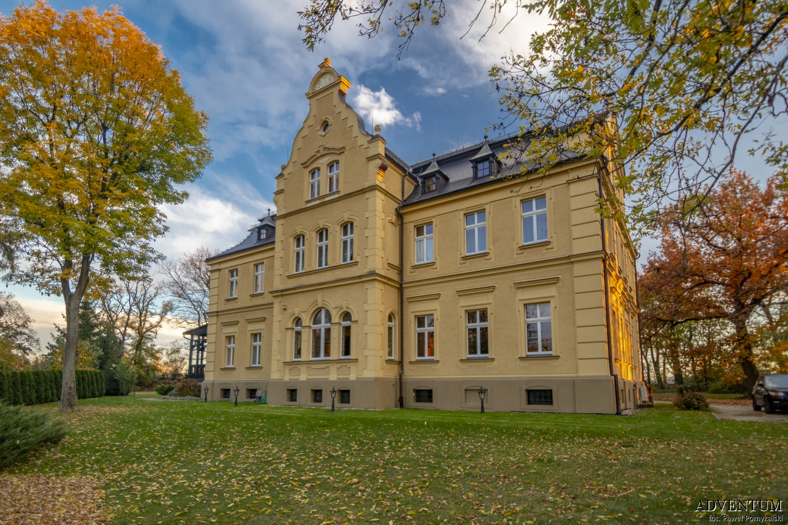 Gruszów pałac dolny śląsk świdnica hotel noclegi wnętrza apartament elewacja