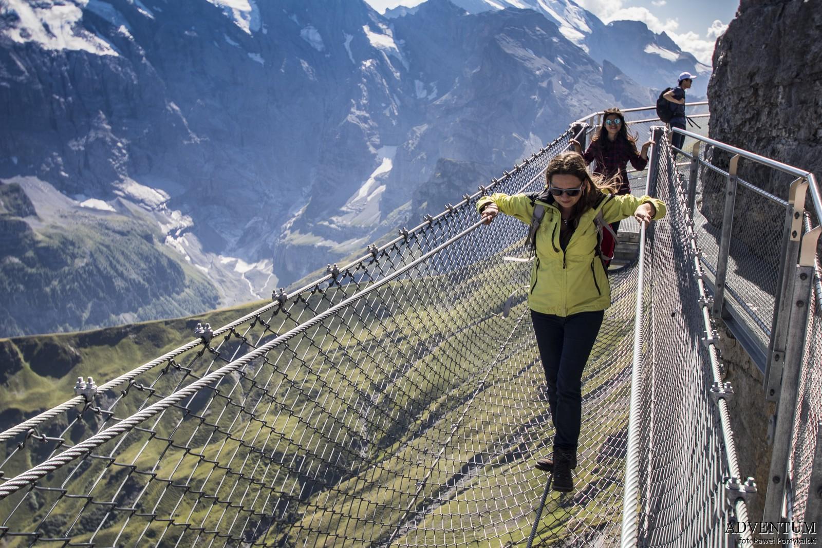 Schilthorn góry Szwajcaria Alpy Kolejka Linowa James Bond 007 Bilety Ceny parking thrill walk