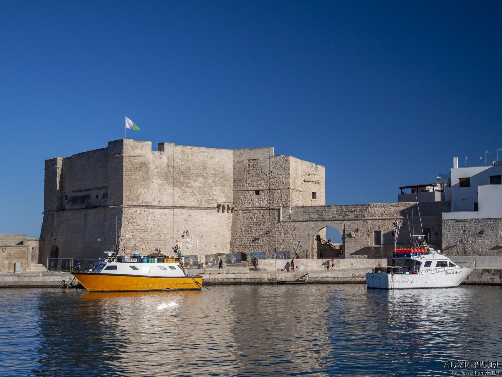 Apulia Zamek Zwiedzanie Bari Atrakcje Plaże Wlochy Italia