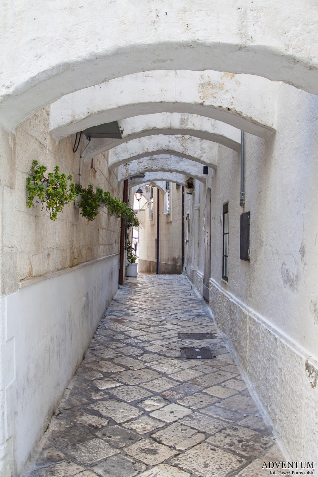 Apulia uliczk Zwiedzanie Bari Atrakcje Plaże Wlochy Italia