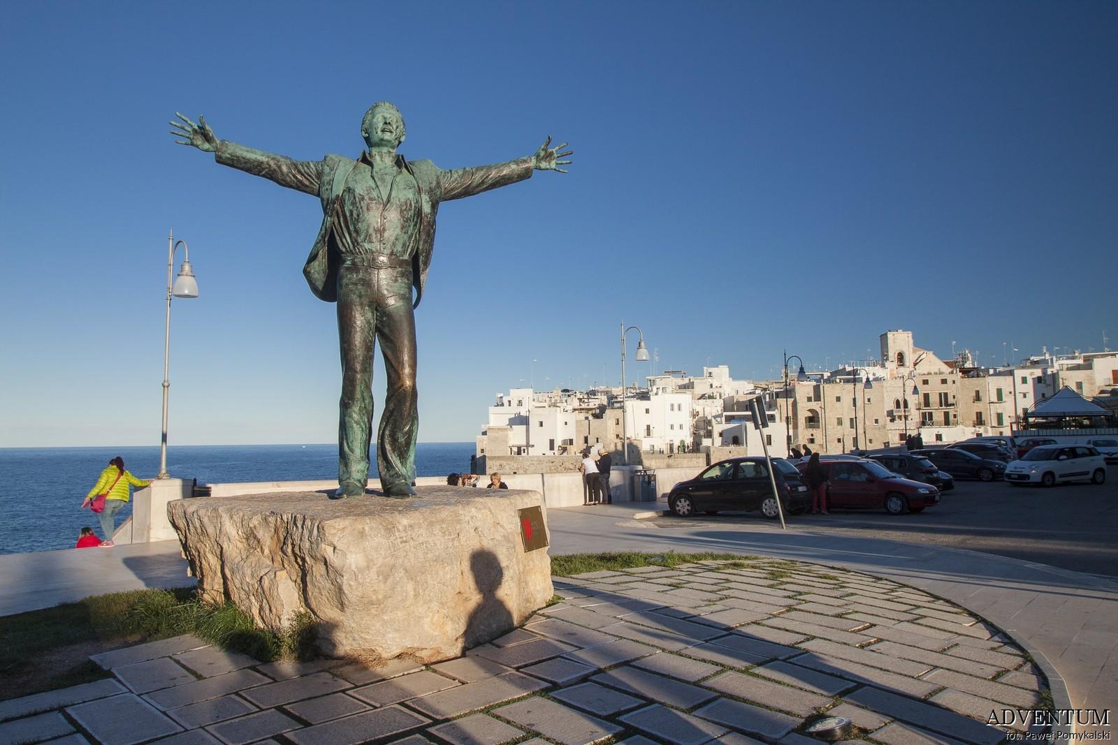 polignano a mare apulia Włochy Atrakcje zwiedzanie plaża Blog historia volare