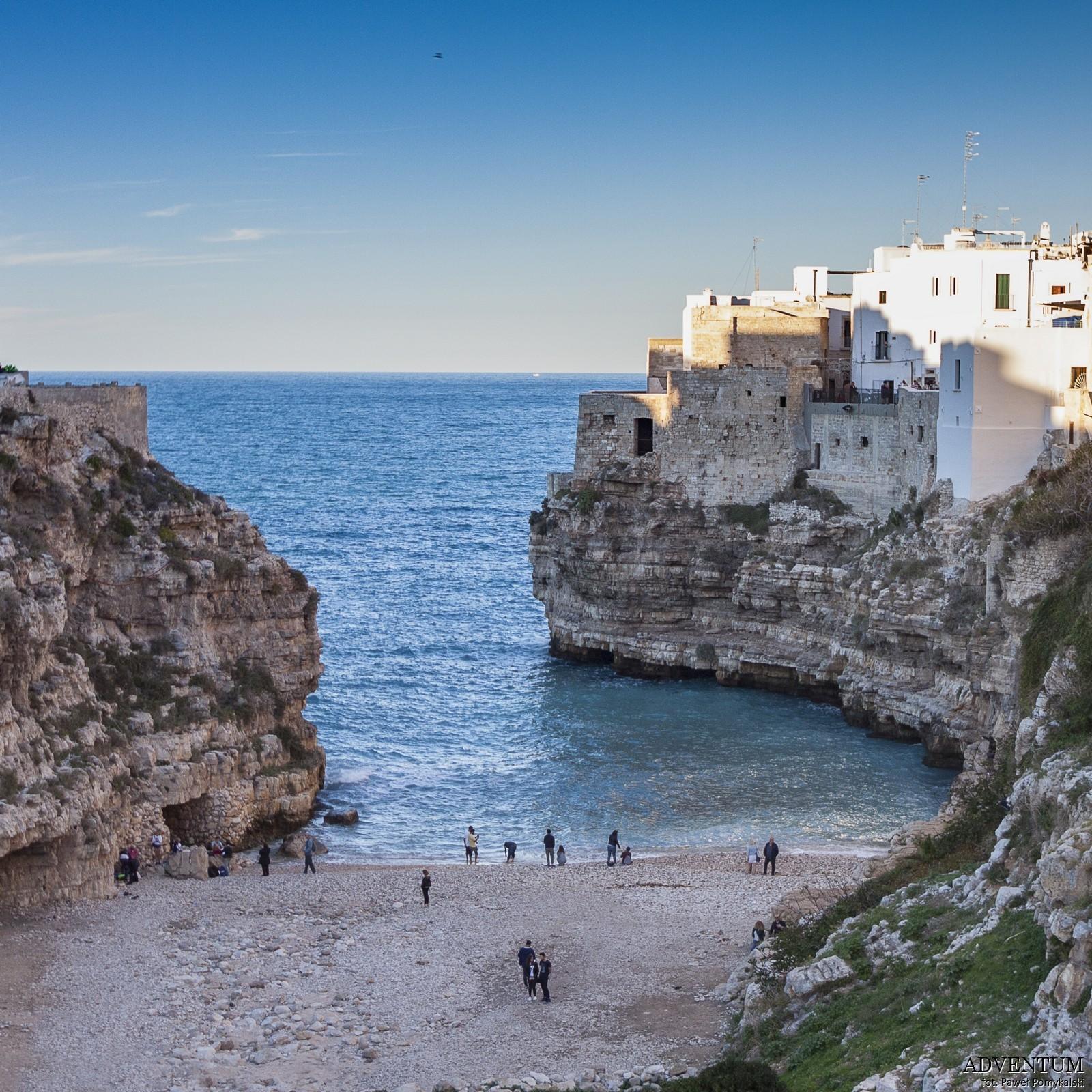 polignano a mare apulia Włochy Atrakcje zwiedzanie plaża Blog historia plaża