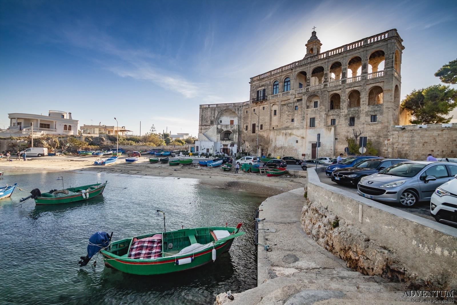 Klasztor san vito plaża apulia włochy atrakcje okolice Bari